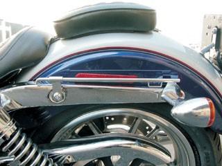 2006年式以降ハーレーダイナFXDWGワイドグライド用サドルバックスライドレール  左側用