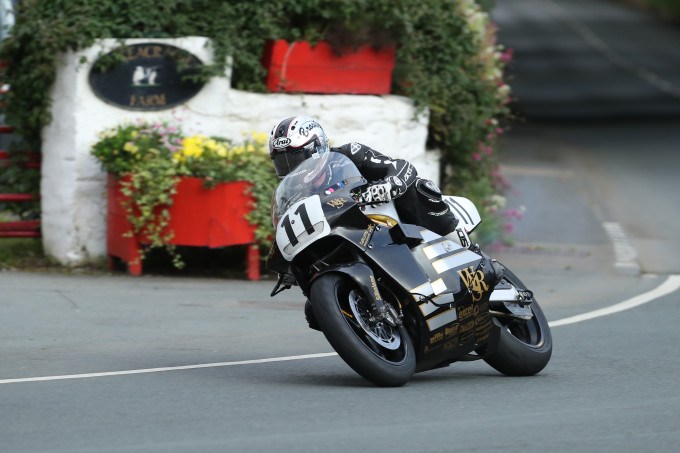 23/08/2017: Josh Brookes (588 Norton/Advanced Performance Coatings, Isle of Wight) at Ballacraine during qualifying for the Bennett's Classic TT. PICTURE BY DAVE KNEEN/PACEMAKER PRESS