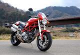 ドゥカティ Monster S2R – マイルドなエンジンフィールに扱いやすいハンドリング