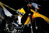ヤマハ WR250X – 超高回転型エンジンに刮目せよ