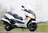 ホンダ シルバーウイングGT400ABS – 余裕ある走行性能と高い利便性を両立