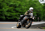 ヤマハ YZF-R1 – ワタシにも乗れる!MotoGP直系マシン
