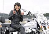 Maeda sister with ハーレーダビッドソン FLSTC