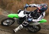 カワサキ KLX110L – 125ccの利点は足着き性だけじゃない