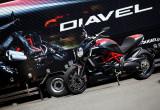 ドゥカティ DIAVEL Carbon – 低く、長く、カッコいいヤツ