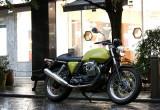 モトグッツィ V7 Café Classic – バイク史上に輝く名車V7 Sportを再現