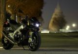 アプリリア TUONO V4R aPRC – スーパーバイクを兄弟に持つ過激なネイキッドモデル
