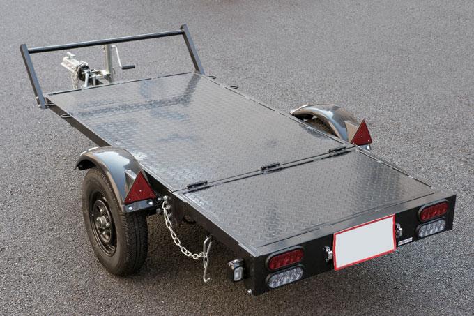 ロングセラーの折りたたみ式トレーラーが耐久性と防水性を向上してリニューアル アイテムレビュー-バイクブロス・マガジンズ