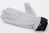 防水仕様で繰り返し使え、細かい部分もピンポイントで洗える手袋型スポンジ