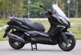 キムコ ダウンタウン125i – 250cc並みの車格と装備を持った快適な125ccスクーター