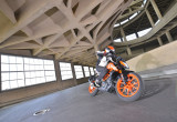 KTM 390 デューク – 軽くてパワフル!バイクの理想を追求