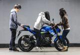 【バイク足つきチェック】2018年型スズキGSX-S125 ABS 125ならGSX-Sシリーズでも女子の足つき許容範囲内?
