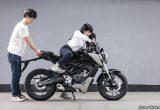 【バイク足つきチェック】2018年型ホンダCB125R 125ccスポーツモデルの足つきは?