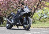 """【ヤマハ YZF-R25試乗記事】 MotoGPマシン「YZR-M1」をイメージしたカウルがアグレッシブな""""毎日乗れるスーパーバイク"""""""