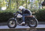 【マット アキタ250 試乗記】イギリスのビルダーが生み出した、空冷単気筒のカスタムバイク