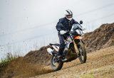 【KTM 890 ADVENTURE/R試乗記】パンチが増して林道トレックもより快適に、アドベンチャーを超えたガチオフ性能だ!