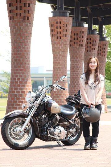 北海道から九州までとにかく様々な場所へと愛車を走らせている。北海道も埼玉県からリー場までは下道で走っていったという。