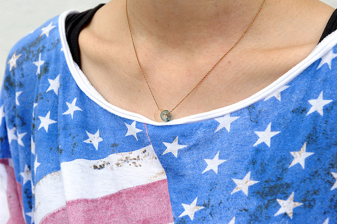 地元のセレクトショップで購入したネックレス。シンプルで飽きのこないデザインがお気に入り。