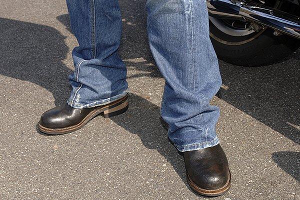 ジーンズのレングスはイイ感じですね。バイクに跨ると短くなるから要注意!