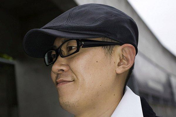 ハンチング&メガネもブラックカラーで統一。これだけで簡単にお洒落っぽさを演出できるアイテムなんですが、一歩間違えると芸人風(笑)に見えちゃいますから、サジ加減は注意してくださいね。