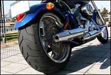 V-RODシリーズに採用されている240mmのワイドタイヤ