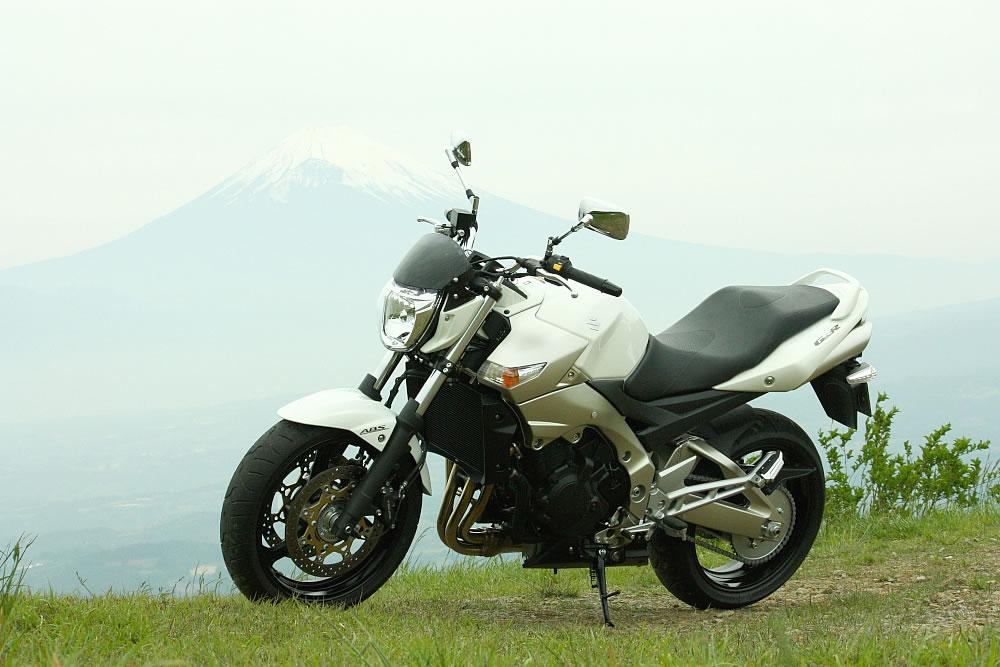 スズキ GSR400 / GSR400 ABS