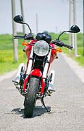 ドゥカティ Monster400 写真