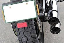 16インチ/144 ミリのリアタイヤはバランスの良いライディングを味わわせてくれるスリムの特徴。