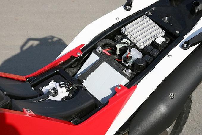 スクバーナ TR650 テラ ABSの画像