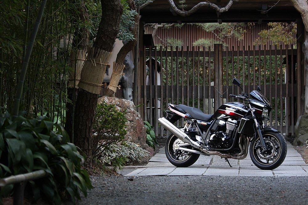 カワサキ ZRX1200 ダエグ