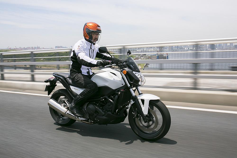 ホンダ NC750S デュアル・クラッチ・トランスミッション ABS