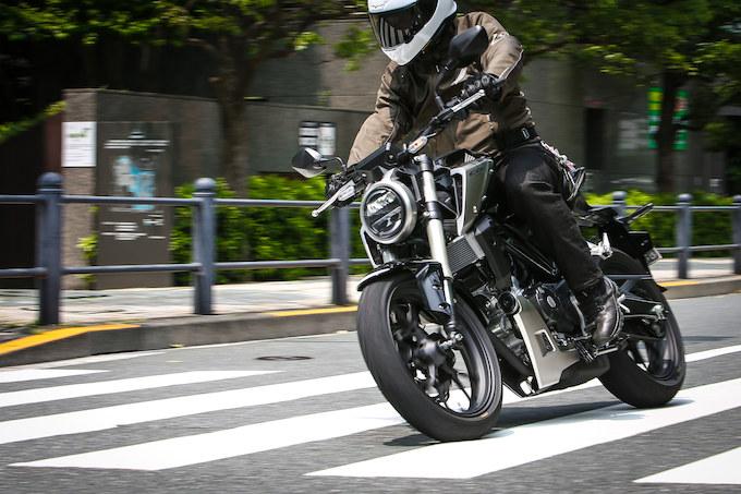 【CB125R試乗記事】125ccクラスの常識をぶち破る、ホンダからの挑戦状の画像