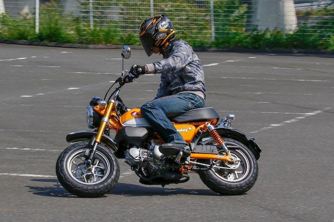 【ホンダ  Monkey 125 ABS 】プロトタイプに試乗! 50cc時代を彷彿させる癒し系の乗り心地!の画像