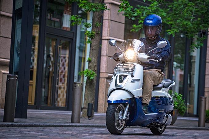【プジョー・ジャンゴ125試乗記事】デザイン優先だと思ったら大間違い!乗り心地も走りも上質な新世代125ccスクーターの画像