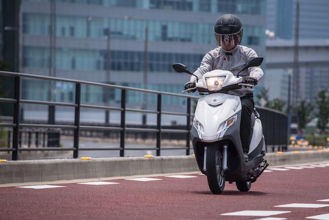 【アドレス125フラットシート試乗記事】そのコスパも大きな魅力。スズキのスタンダードスクーターの画像