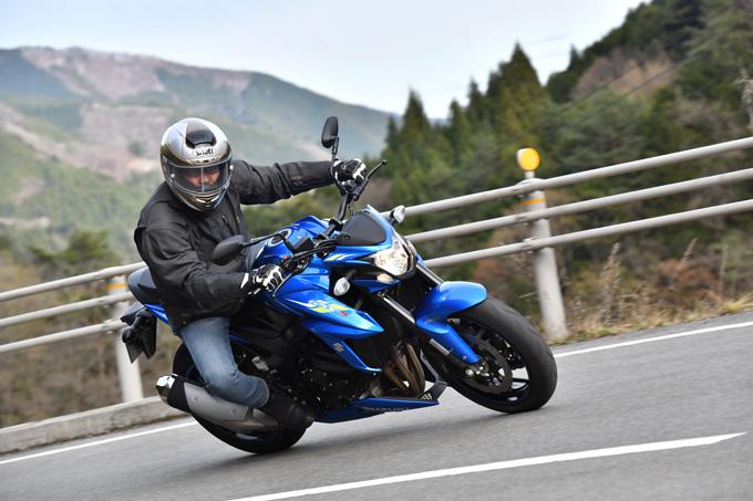 【スズキ GSX-S750ABS】日常域でエキサイティングに駆ける喜びが実感できるストリートスポーツモデルの画像