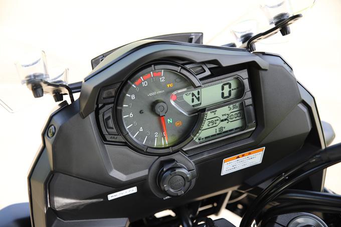 【スズキ Vストローム1000XT 試乗記】 ロードスポーツモデルを凌駕するほどの、高い運動性能を備えた怪鳥の画像