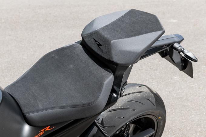【KTM 1290スーパーデュークR 試乗記】 第3世代に進化した、KTM製オンロードスポーツの旗艦の18画像