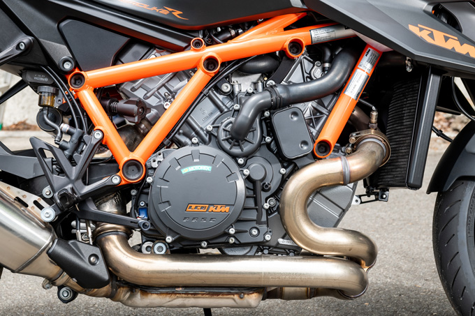 【KTM 1290スーパーデュークR 試乗記】 第3世代に進化した、KTM製オンロードスポーツの旗艦の20画像