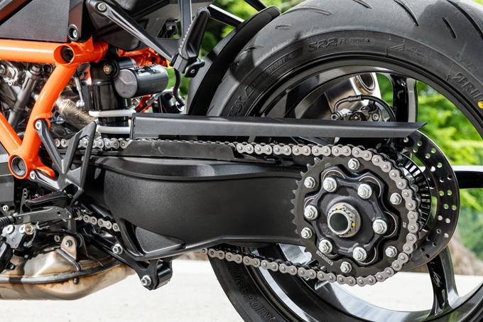 【KTM 1290スーパーデュークR 試乗記】 第3世代に進化した、KTM製オンロードスポーツの旗艦の25画像