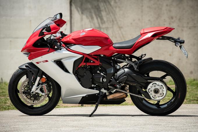 【MVアグスタ F3 800 試乗記】 3気筒800ccならではの楽しさ! 見かけによらず扱いやすいスーパースポーツだ 03画像