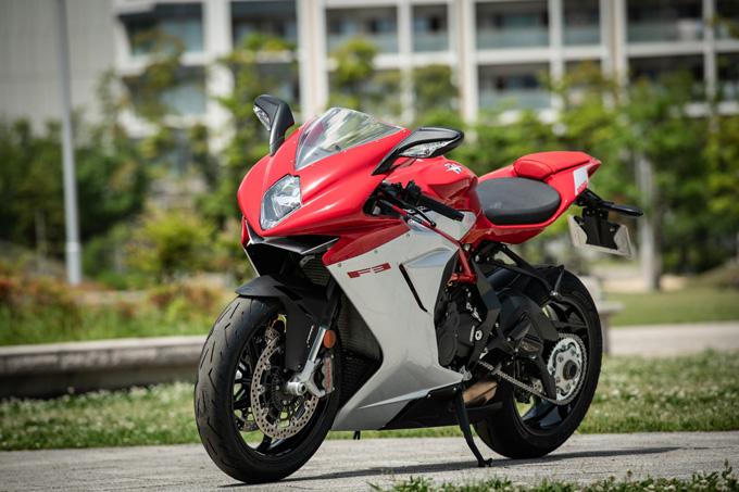 【MVアグスタ F3 800 試乗記】 3気筒800ccならではの楽しさ! 見かけによらず扱いやすいスーパースポーツだ09画像