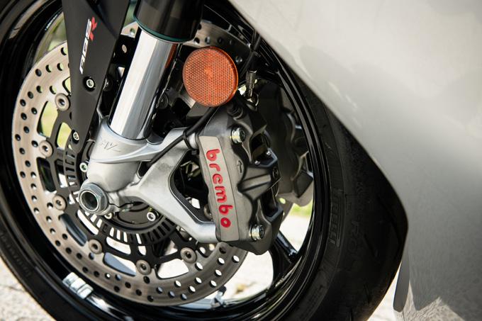 【MVアグスタ F3 800 試乗記】 3気筒800ccならではの楽しさ! 見かけによらず扱いやすいスーパースポーツだ11画像