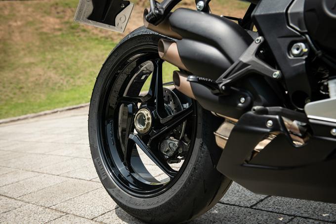 【MVアグスタ F3 800 試乗記】 3気筒800ccならではの楽しさ! 見かけによらず扱いやすいスーパースポーツだ13画像
