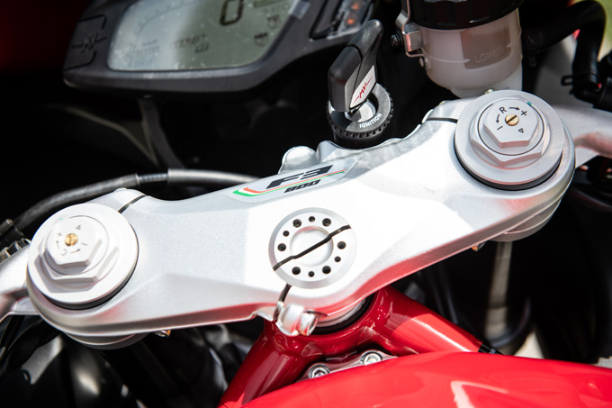 【MVアグスタ F3 800 試乗記】 3気筒800ccならではの楽しさ! 見かけによらず扱いやすいスーパースポーツだ16画像