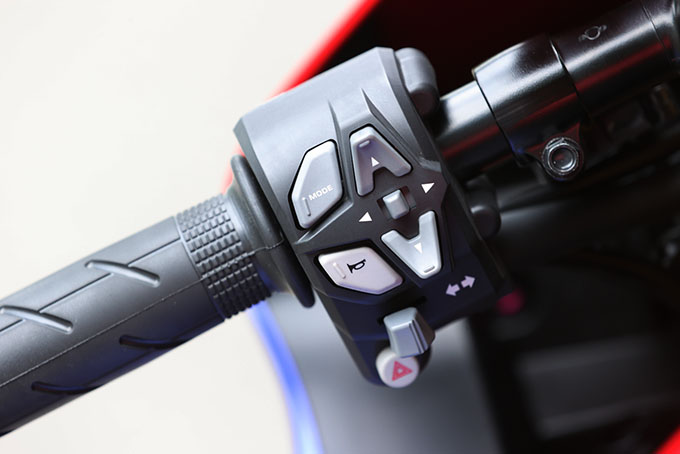 【カワサキ ヴェルシス1000 SE 試乗記事】3代目に進化したオールラウンドツアラーの14画像