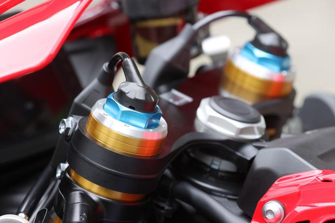 【ホンダ CBR1000RR-R ファイアーブレード SP 試乗記】保安部品を装備しても、乗り味は本気の市販レーサーの21画像