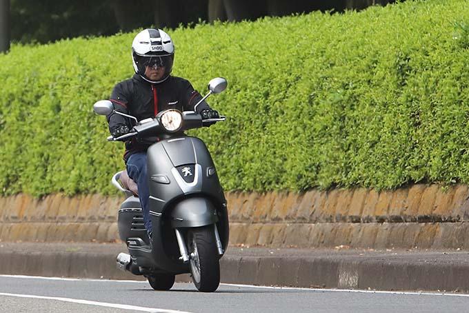 【プジョー ジャンゴ150 試乗記】乗り心地抜群!! 優雅で美しいフレンチスクーターの05画像