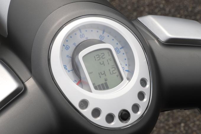 【プジョー ジャンゴ150 試乗記】乗り心地抜群!! 優雅で美しいフレンチスクーターの13画像