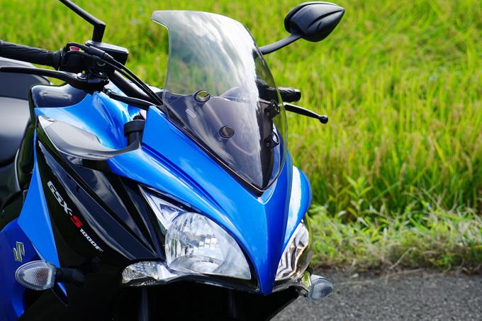 """【スズキ GSX-S1000F 試乗記】これ一台ですべてをまかなえる、ある種の""""アガリ""""バイクの画像"""